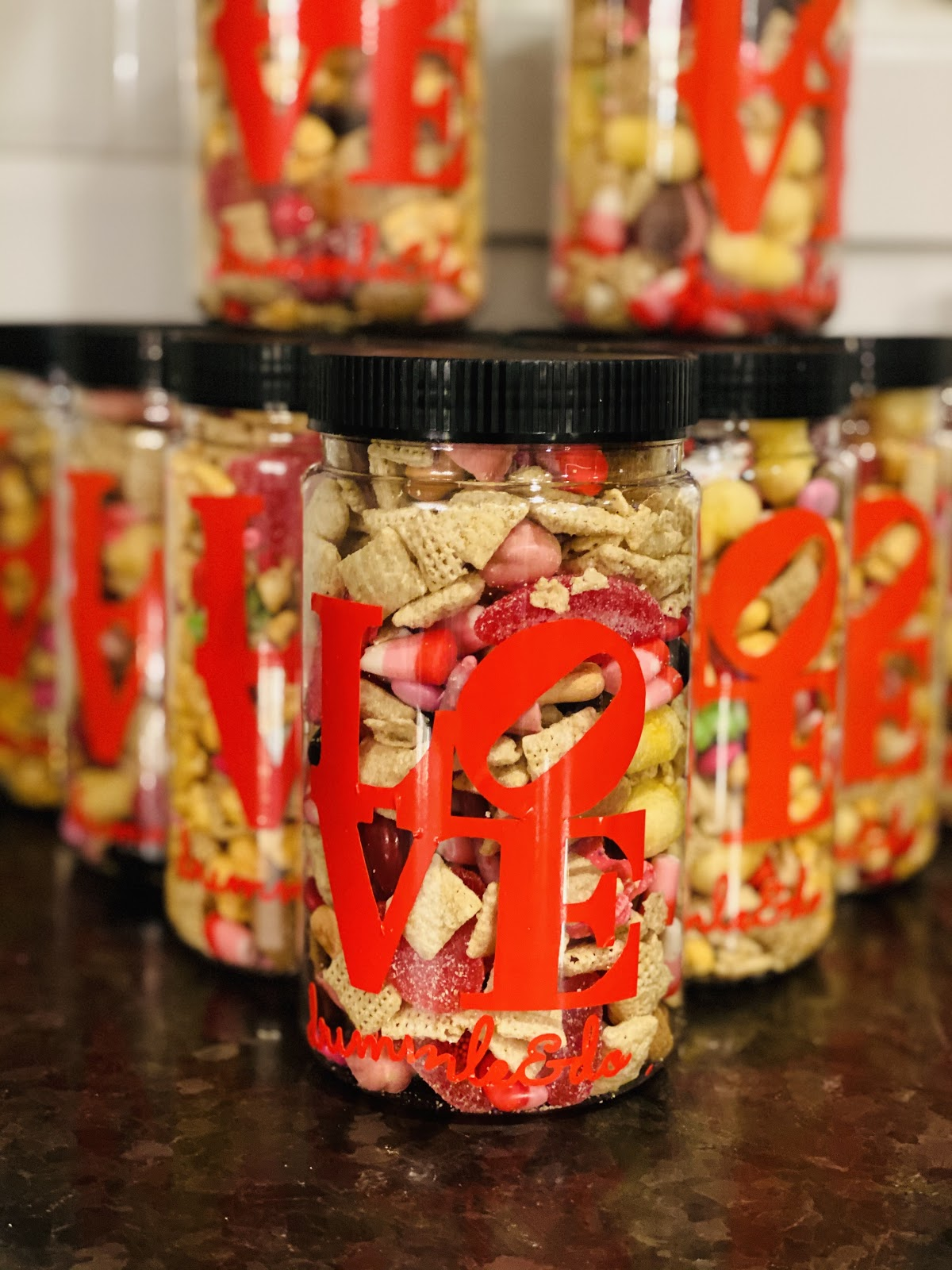 on-launching-a-made-to-order-snack-mixes-with-300-sold-jars-in-one-month