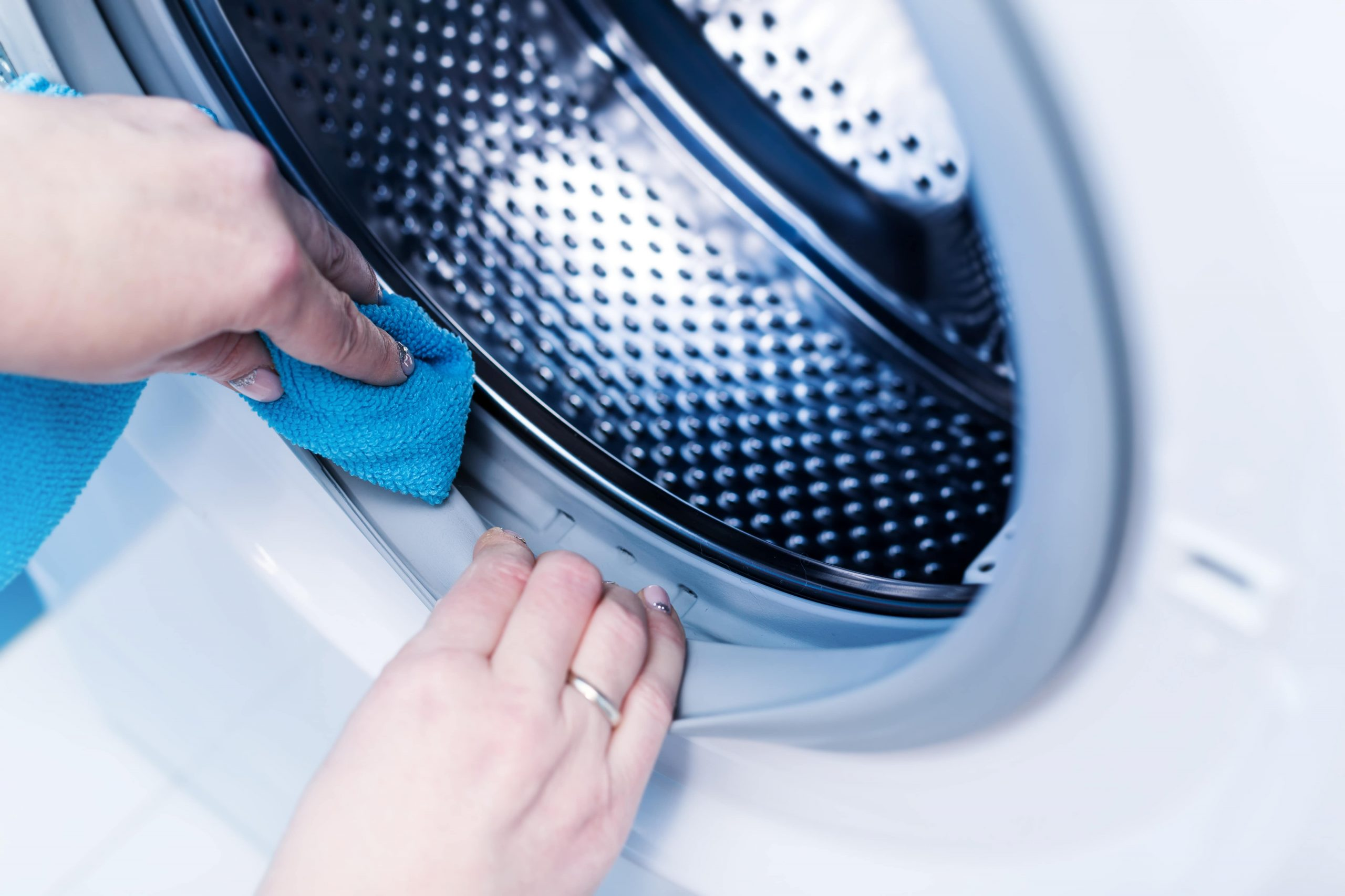 Como limpar a máquina de lavar roupa?