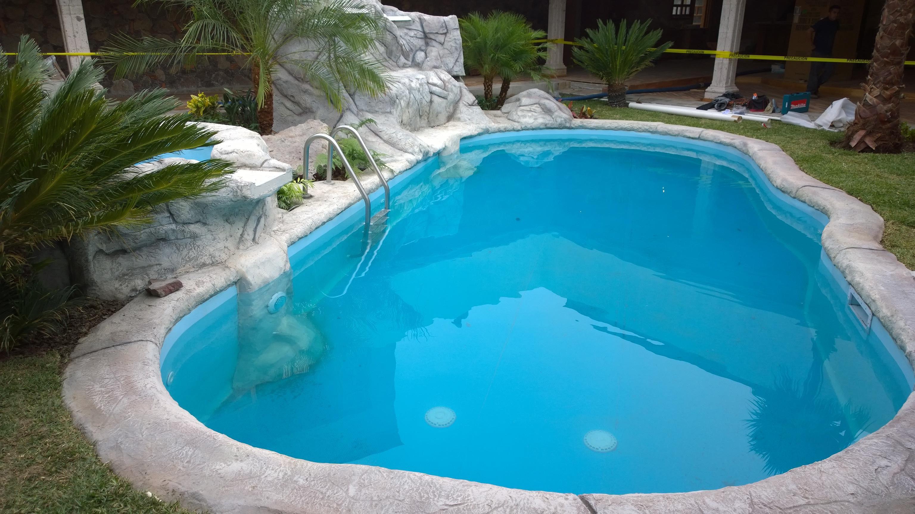 Construcci n de albercas cascadas y lagos artificiales for Plastico para lagunas artificiales