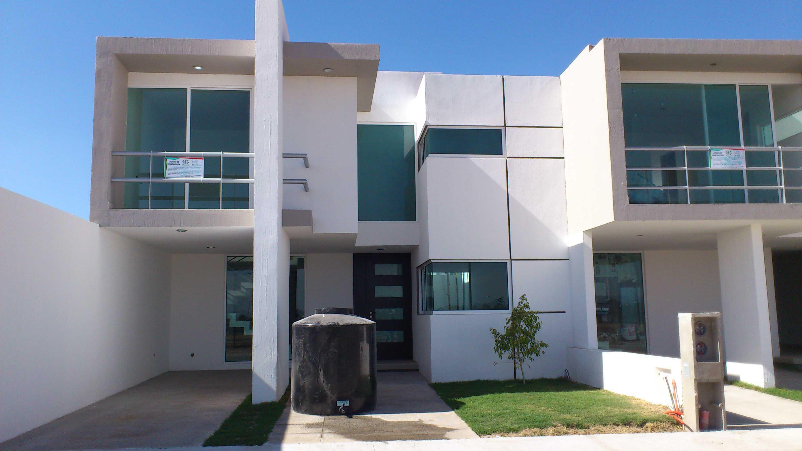 En residencial santa monica hay casas perfectas para ti for Casas modernas residenciales