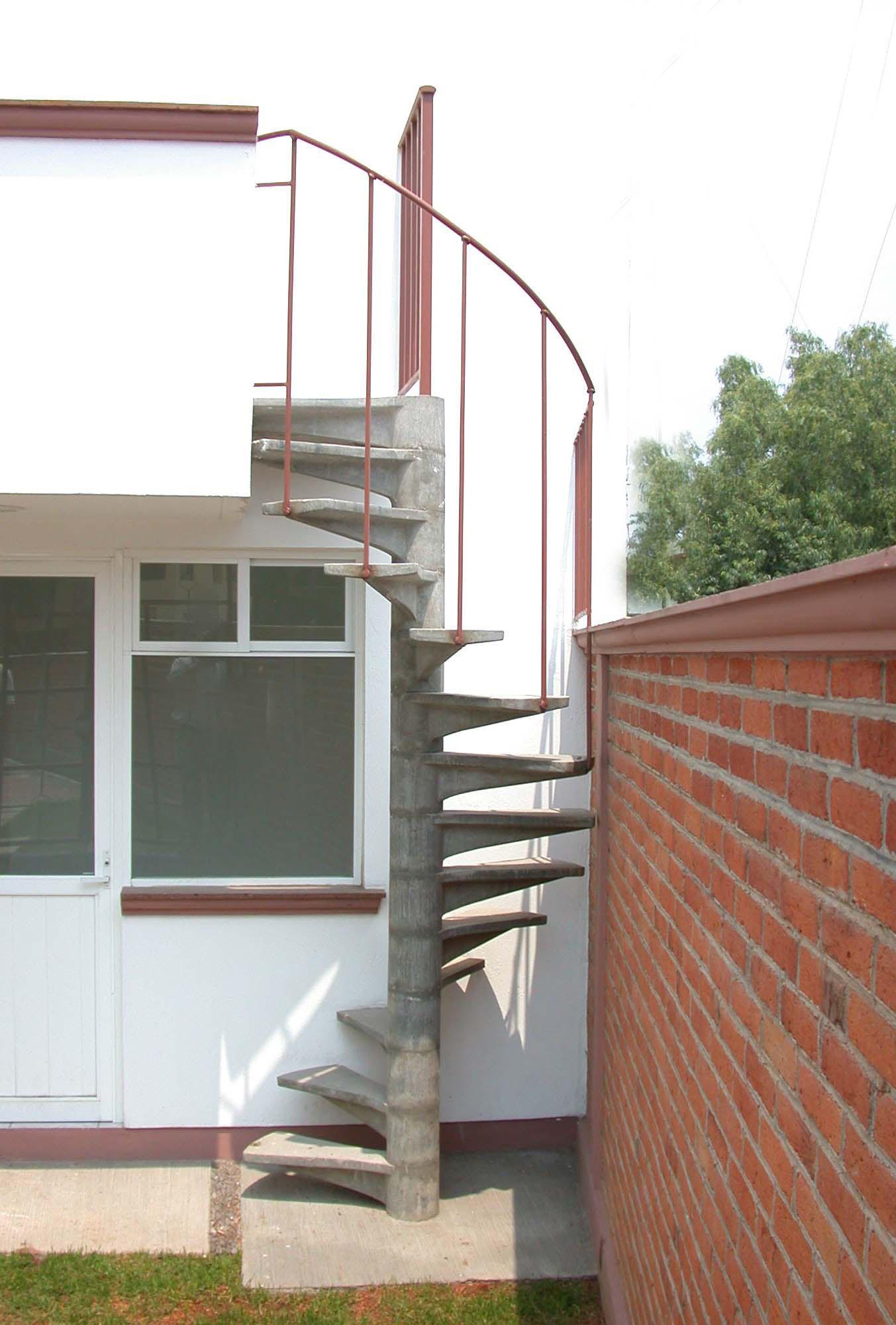 Escaleras de caracol escalera de caracol modelo carla - Escalera de caracol precio ...