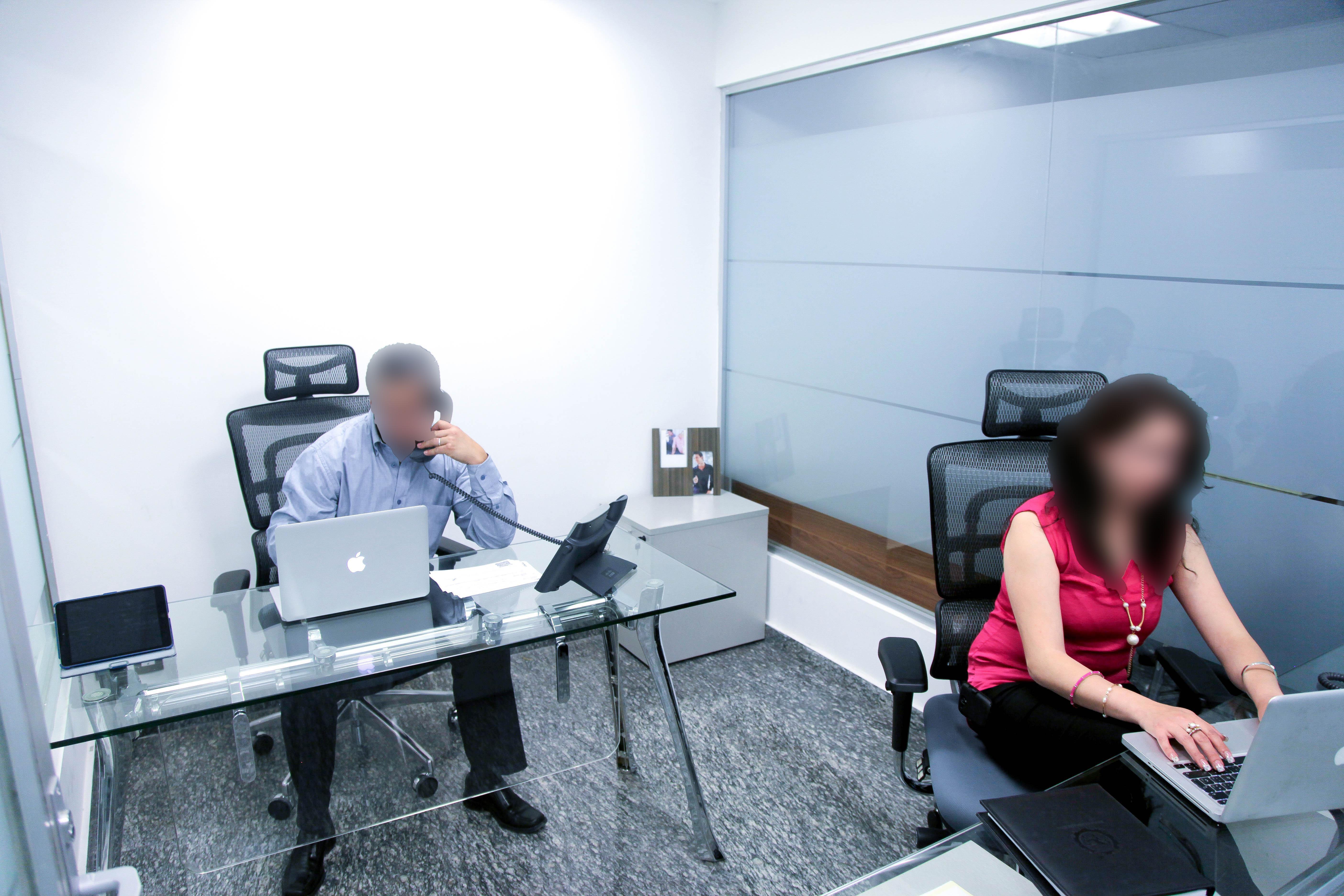 Oficinas de lujo a un excelente precio for Oficinas de lujo