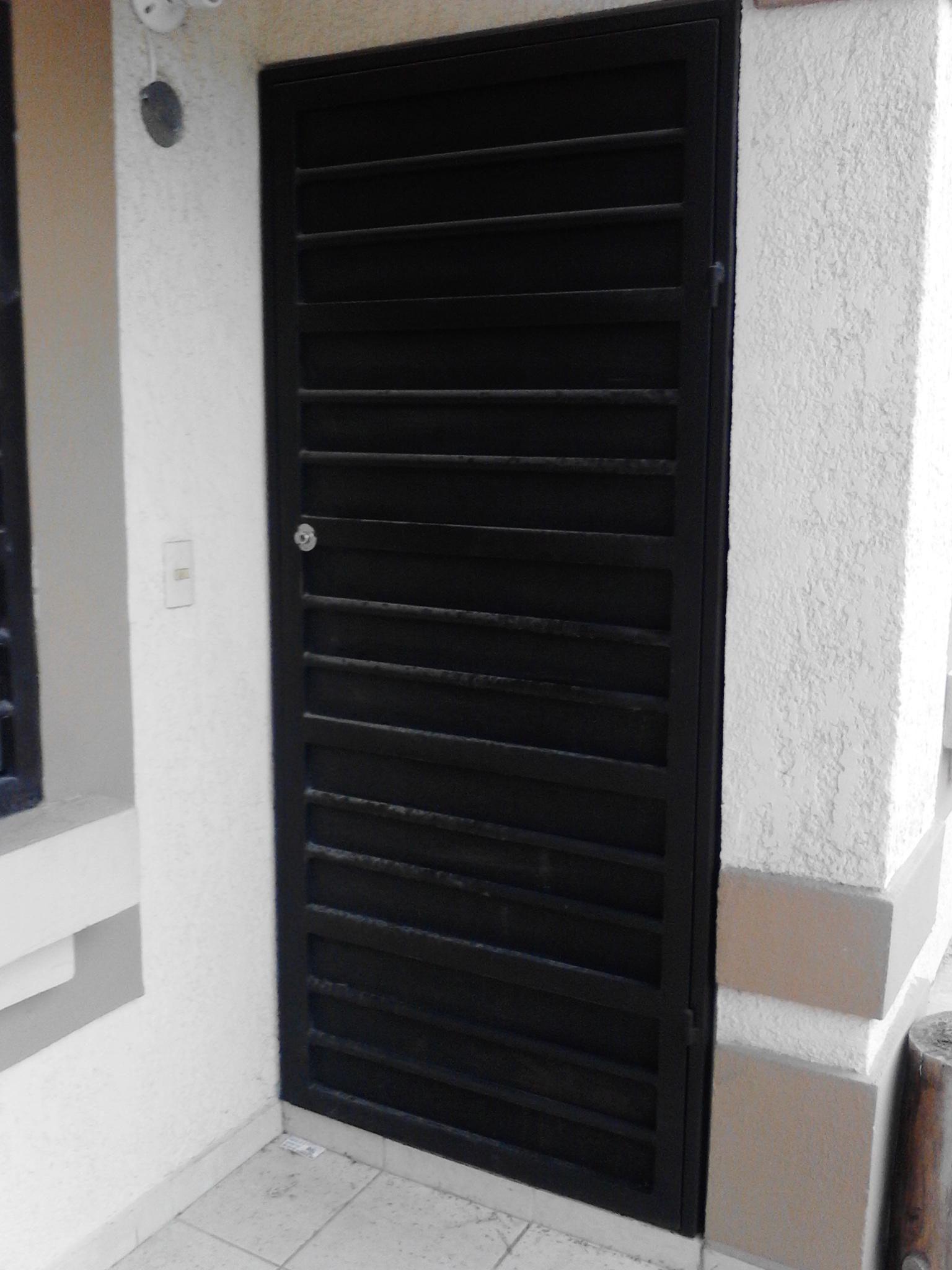 Protectores para puertas de garaje y parkings