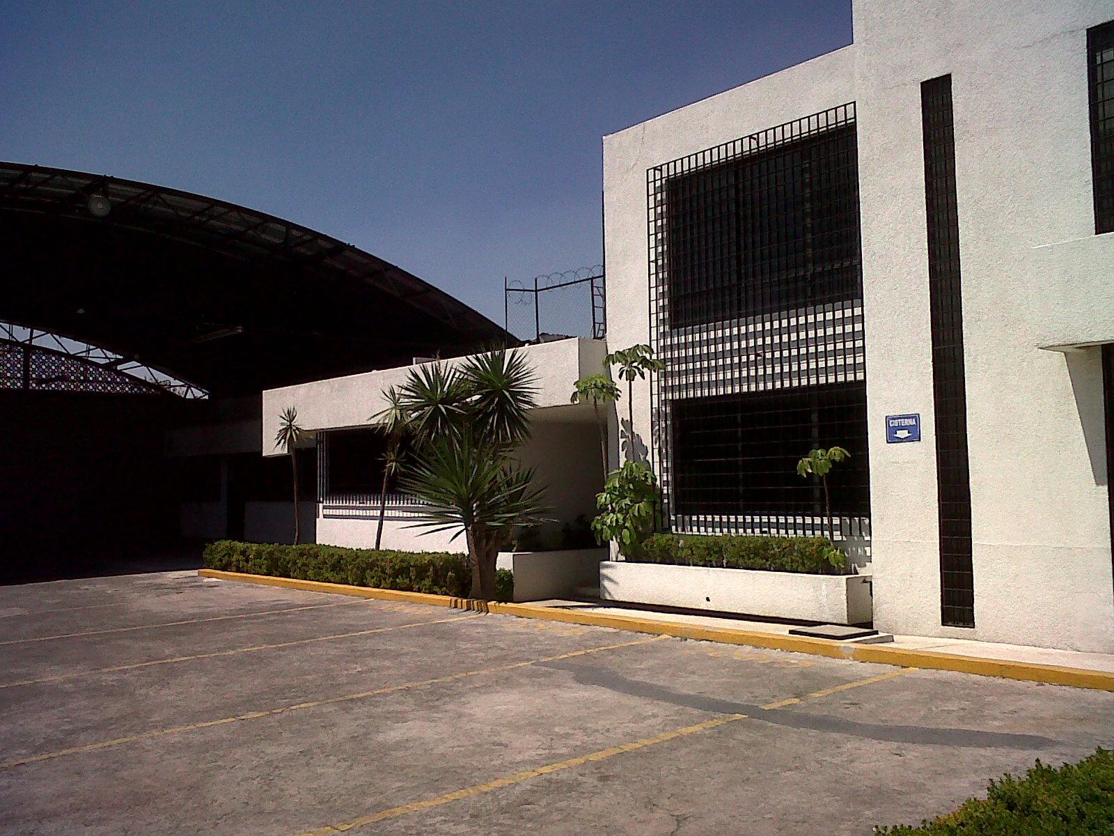 Rento naves industriales con bodega y oficinas for Oficinas industriales