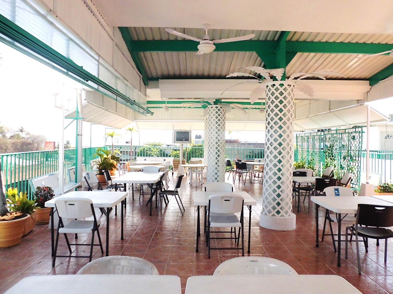 Sal n terraza para reuniones fiestas y eventos en for Terrazas para eventos