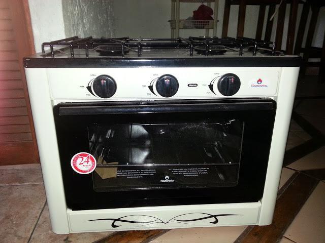 se vende estufa con horno marca flamineta
