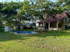 Nicoya, 800 Sur de la Ferretería El Corral, Corralillo de Nicoya, Guanacaste. Tel. 50684263565