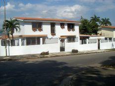 Se vende Amplica casa en el Trigal