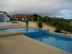 Vendo Bello Town House C.R Manantial. Isla de Margarita. 3 Habtaciones. 202m2.