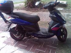 vendo moto bera unico dueño
