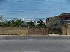 Vendo Terreno R5 con Proyecto. Las Palmeras. Lecheria. 904m2.