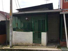 Inversión conveniente de terreno con casa, ubicada en Barrio Mexico