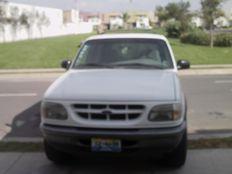 Camioneta Explorer  98 - Estándar - 6 Cilindros