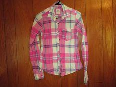 pantalones, blusas, chalecos, vestidos, bermudas nuevas para dama y caballero de temporada¡