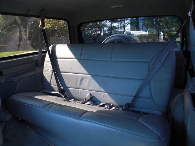 1996 Ford Bronco XLT Leesburg, Virginia 10