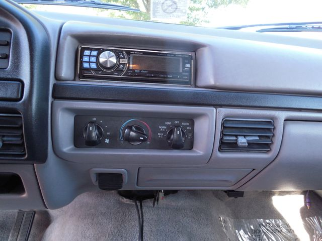 1996 Ford Bronco XLT Leesburg, Virginia 17