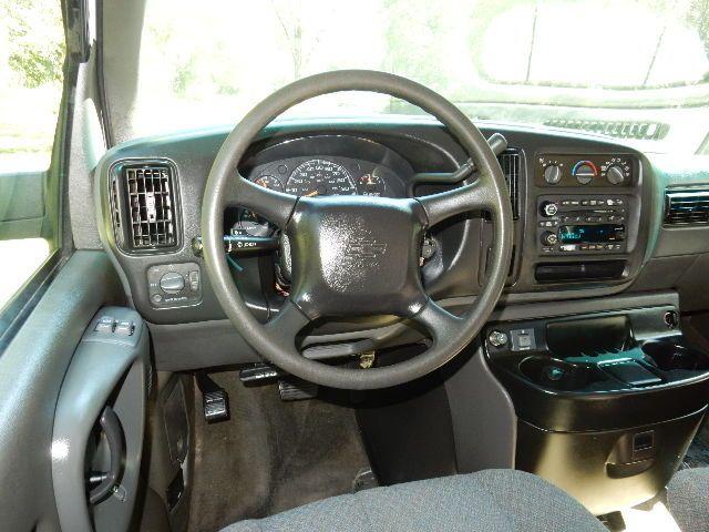 2002 Chevrolet Express Van Leesburg, Virginia 40