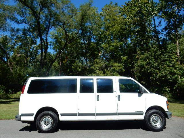 2002 Chevrolet Express Van Leesburg, Virginia 8