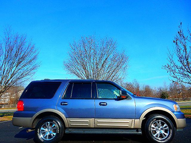 2003 Ford Expedition Eddie Bauer 4X4 Leesburg, Virginia 8
