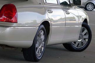 2003 Lincoln Town Car Cartier Premium Plano, TX 17