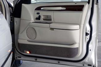 2003 Lincoln Town Car Cartier Premium Plano, TX 24
