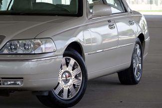 2003 Lincoln Town Car Cartier Premium Plano, TX 8