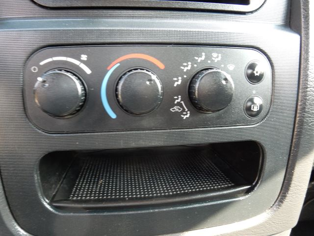 2004 Dodge Ram 2500 SLT 5.7L MAGNUM ENGINE 4X4 Leesburg, Virginia 46
