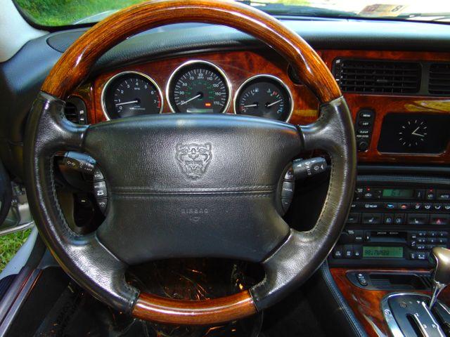 2004 Jaguar XKR Leesburg, Virginia 23