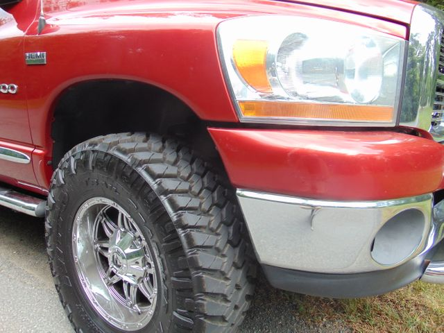 2006 Dodge Ram 1500 SLT 4X4 Leesburg, Virginia 6