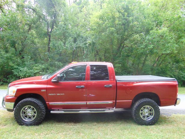 2006 Dodge Ram 1500 SLT 4X4 Leesburg, Virginia 4