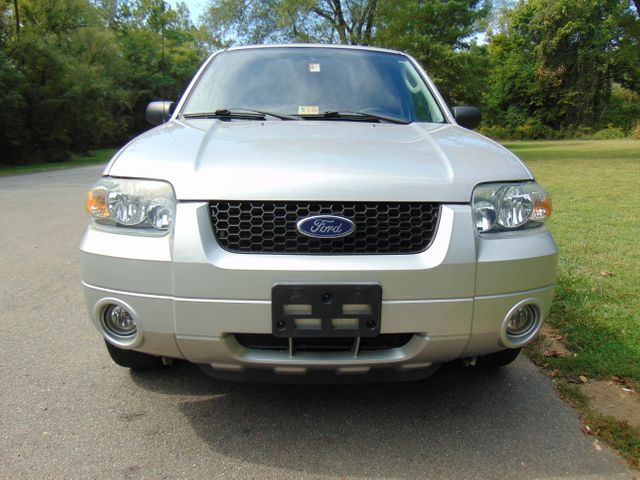 2006 Ford Escape Limited Leesburg, Virginia 6