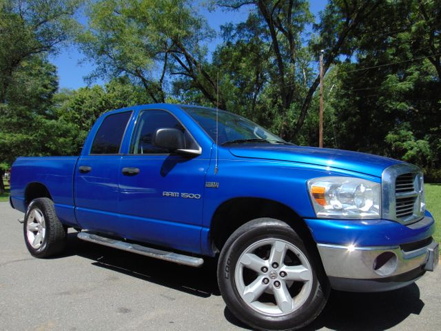2007 Dodge Ram 1500 SLT 4X4 Leesburg, Virginia 1