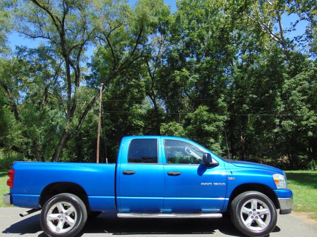 2007 Dodge Ram 1500 SLT 4X4 Leesburg, Virginia 4