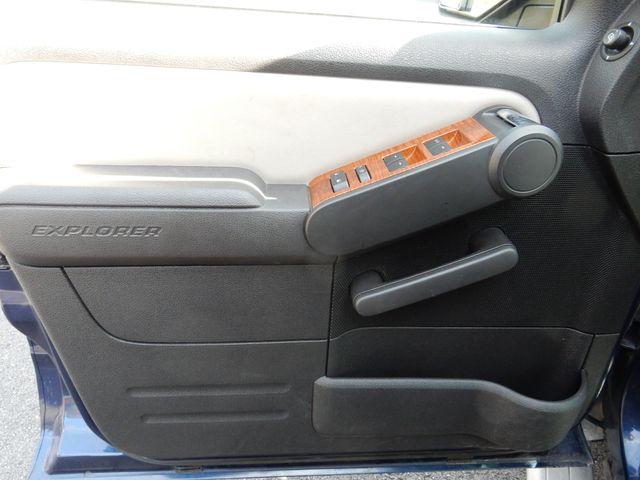 2007 Ford Explorer Sport Trac Limited Leesburg, Virginia 8