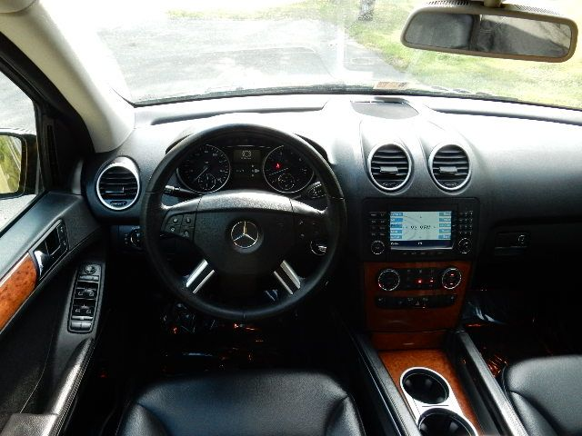2007 Mercedes-Benz ML350 3.5L AWD Leesburg, Virginia 20