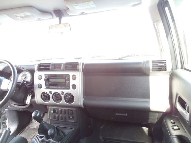 2007 Toyota FJ Cruiser 6-SPEED MANUAL W/OFF ROAD PKG Leesburg, Virginia 28