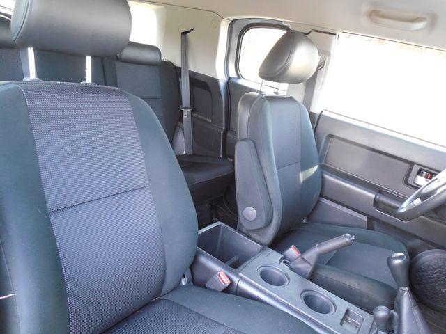 2007 Toyota FJ Cruiser 6-SPEED MANUAL W/OFF ROAD PKG Leesburg, Virginia 36