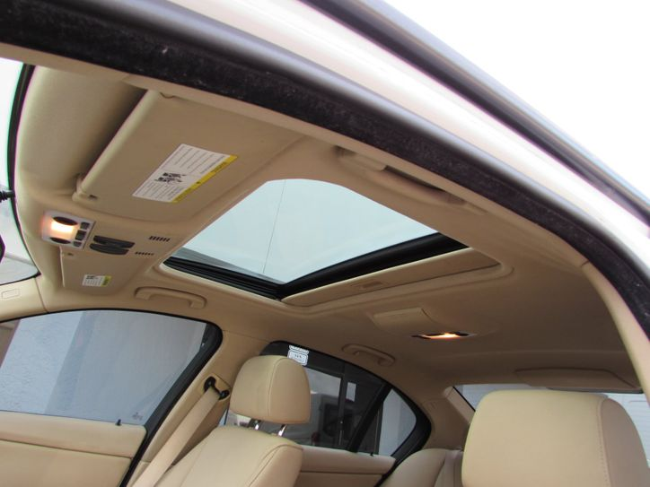 bmw 3281 interior sunroof view