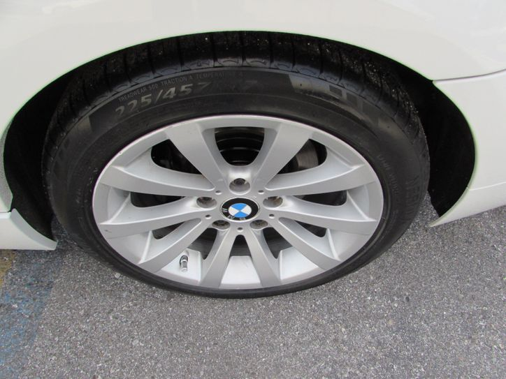 bmw 3281 outside tire wheel view