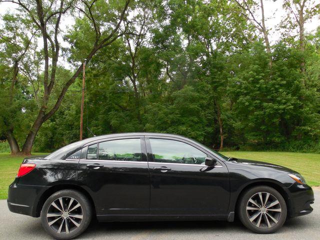 2011 Chrysler 200 S Leesburg, Virginia 4