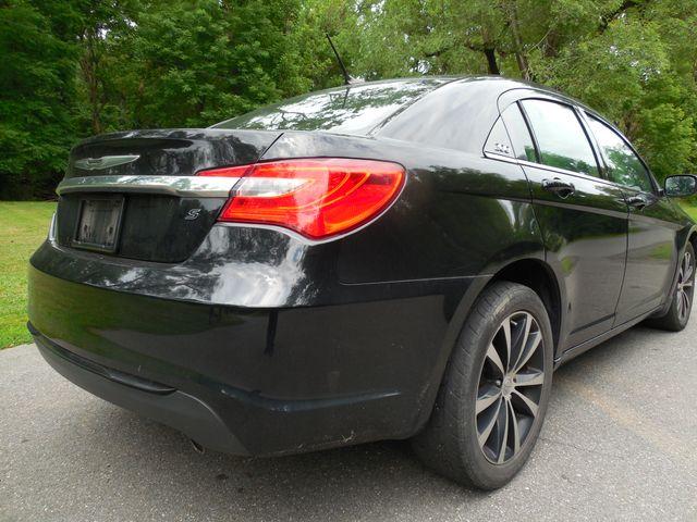 2011 Chrysler 200 S Leesburg, Virginia 2