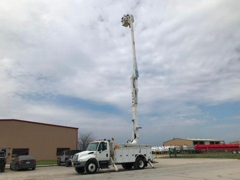 2011 International 4300 DURASTAR BUCKET TRUCK  in Fort Worth, TX