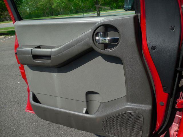 2011 Nissan Xterra S 4X4 Leesburg, Virginia 8