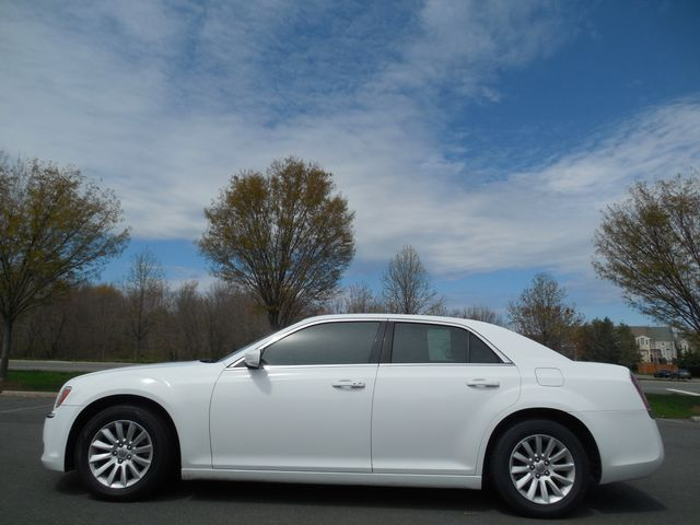 2013 Chrysler 300 Leesburg, Virginia 10