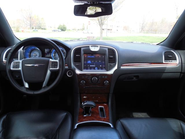 2013 Chrysler 300 Leesburg, Virginia 38