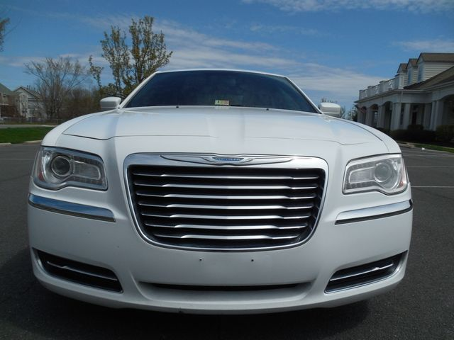 2013 Chrysler 300 Leesburg, Virginia 12