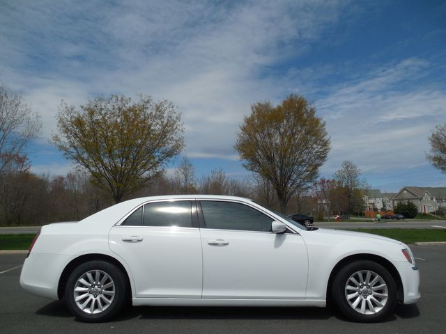 2013 Chrysler 300 Leesburg, Virginia 8