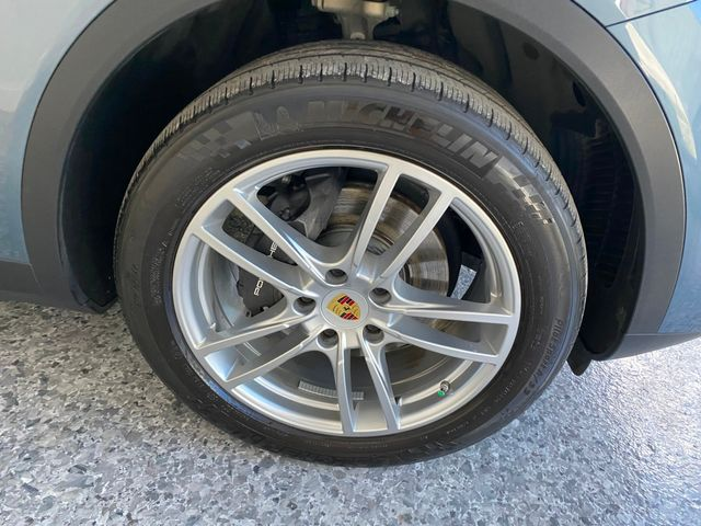 2019 Porsche Cayenne Longwood, FL 42