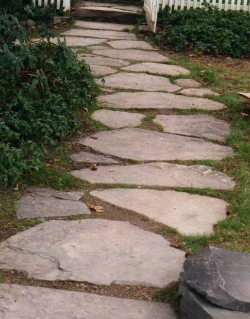 Fieldstone walkway %282%29