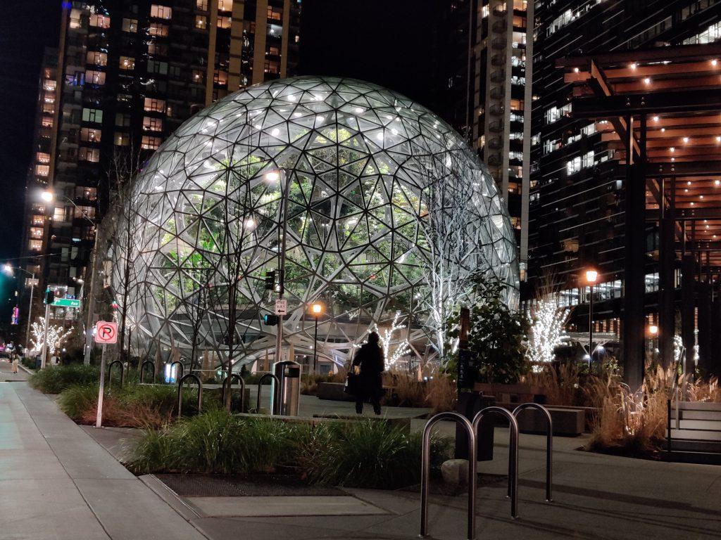 Seattle Bezons balls 2